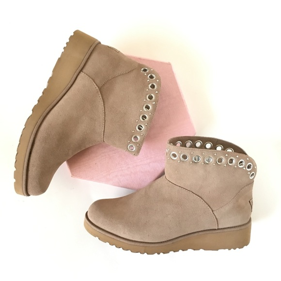 f565f03fde8 New UGG Pure Suede Ankle Boots Riley Fawn Tan Sz 9